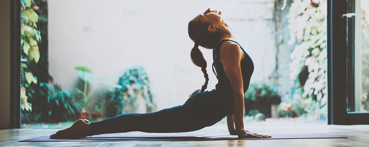 5-posturas-de-yoga-para-aliviar-o-estresse